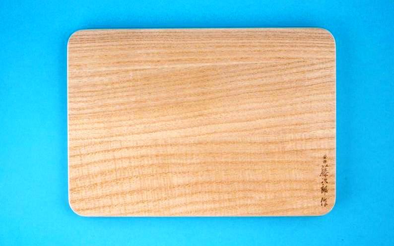 Tabla de madera para cocina japonesa peque a de paulownia for Menaje cocina japonesa